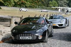 Aston Martin  DB7 Zagato & Porsche 918 Spyder (Clment Tainturier) Tags: chateau de chantilly arts et elegance 2016 concours dlgance france aston martin db7 zagato porsche 918 spyder weissach