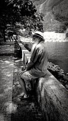 pausa (luyunes) Tags: gente homem urca riodejaneiro motomaxx luciayunes