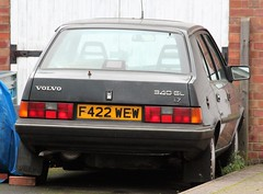 F422 WEW (Nivek.Old.Gold) Tags: 1988 volvo 340 gl 17 5door kings witcham