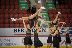 20161106_Aapo_Rainio_3545 (Aapo Rainio Digitals) Tags: synchronized skating helsingin jhalli rockettes unique marigold ice unity revolutions