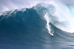 IMG_3010 copy (Aaron Lynton) Tags: surfing lyntonproductions canon 7d maui hawaii surf peahi jaws wsl big wave xxl