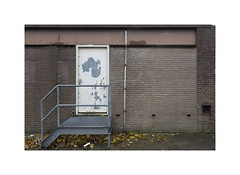 back entrance (ha*voc) Tags: canon6d 1740mm urban urbanfragments urbandecay urbanentropy ijmuiden mundane banal