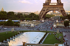 A view from Trocadero (Yummilicious Cakes & Desserts) Tags: trocadero eiffeltower paris france night people view travel photography vacation