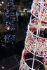 Merry Christmas / Frohe Weihnachten (Torsten Reimer) Tags: england europa christmastree reflections spiegelungen christmas heathrow kacheln unitedkingdom tiles london sonyrx100iv weihnachten reflektionen europe uk heathrowairport londonheathrowairport gb
