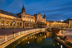 Sevilla at blue hour (Antoni Figueras) Tags: sevilla andalusia andalucia spain bluehour plazaespaa reflections longexposure sonya77ii tokina1116