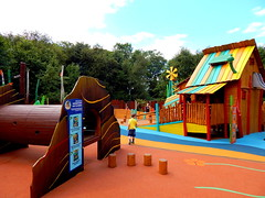 Tree Fu Tom Training Camp (ThemeParkMedia) Tags: family camp tree tom training towers bbc merlin land childrens shows rides fu alton attraction attractions cbeebies entertainments