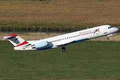 Austrian Airlines Fokker 100 OE-LVI (c/n 11468) (Manfred Saitz) Tags: vienna airport f100 100 airlines vie austrian fokker schwechat loww oelvi