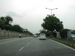 Vandematram Road (hi_nilabh) Tags: road india cityscape place metro market delhi roads metropolitan newdelhi dlf connaught karolbagh gaffar