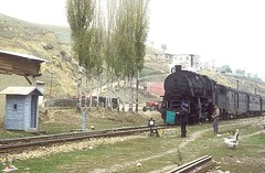 45062  Havza   21.10.83 (w. + h. brutzer) Tags: analog train turkey nikon railway zug trains 45 steam trkei dampflok lokomotive eisenbahnen tcdd dampfloks havza webru