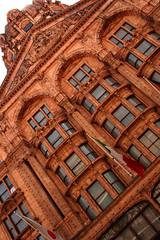 Knightsbridge 84 (David OMalley) Tags: uk inglaterra red england brick london english britain united victorian kingdom knightsbridge neighborhood londres angleterre british londra opulent engeland londen inghilterra londinium