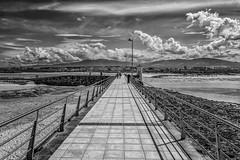 Recuedos de Foz (chuscordeiro) Tags: sky espaa blancoynegro mar farola playa bn paseo galicia cielo nubes lugo foz niez recuerdos cantabrico aoranza canon1755 rapadoira canon7d