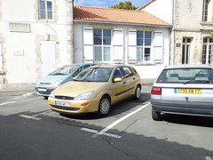 Immatriculation FNI quadruplet 6666 WN 17 - 2000 Ford Focus I - 1996 Citroën ZX Avantage 1795 XW 17 & 2001 Citroën Xsara Picasso 7176 WV 17 - 23 août 2014 (Rue de la Résistance - Aytré) (Padicha) Tags: auto new old bridge water car electric truck river coach ancient automobile eau police voiture former nouveau paysbas nouvelle vieux vieille août ancienne ancien fleuve vehicule électrique 2014 gendarmerie nouveauté véhicule utilitaire letramdetours padicha
