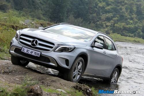 2014-Mercedes-Benz-GLA-17