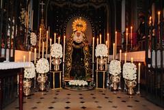 Besamano a la Virgen de los Dolores (Peridico La Semana de Dos Hermanas) Tags: dolores virgen besamano