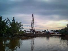 Rig Near Badak (GlobalGoebel) Tags: sunset river indonesia nokia delta gas rig oil land vico badak drilling kalimantan mahakam onshore oilandgas 5310 xpressmusic kaltim