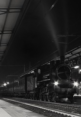 2016-10-25_08-07-00 (andrea.suzzi1985) Tags: trenoavapore treno steamtrain train blackandwhite bw cesena emiliaromagna italy italia station stazione history magic love fotografia pic biancoenero passione