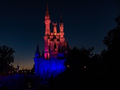 Walt Disney World - Magic Kingdom (Patrik S.) Tags: wolken clouds florida sonnig sunny usa park walt unterhaltung world disney magic kingdom amusment cinderella schloss castle