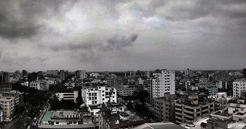 Before the rain #dark #sky #skyscraper #rain #rainy #evening #dhaka