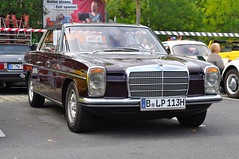 Mercedes-Benz 280CE W114 /8 M110 (1974) (Transaxle (alias Toprope)) Tags: auto autos car cars coche coches carro carros macchina macchine voiture voitures young old antigo veteran veterans oldtimer youngtimer historic vintage antique motor klassik classic classics retro clasico clasicos antic soul beauty power toprope nikon d90 berlin obi neukölln neukoelln grenzallee mercedesbenz 280ce w114 8 m110 1974 mb mercedes benz 280 ce coupé einspritzer injection 114 strich8 strichacht 1970s german germany straightsix r6 inline six sixcylinders 6cylinders vehicle vehicles paul bracq paulbracq cochesalemanes alemanes 2000views