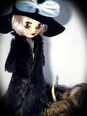 Blythe-a-Day October#6: Skeletons in the Closet: Daisy Buchanan & Sabrina