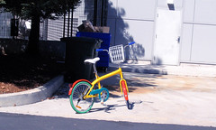 "Colorful Google Public Bike • <a style=""font-size:0.8em;"" href=""http://www.flickr.com/photos/34843984@N07/15360180697/"" target=""_blank"">View on Flickr</a>"