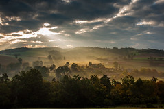 1 (2) (Andy. LATHAUD) Tags: andy soleil campagne brume hameau rayondesoleil levdujour lathaud