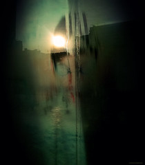 Mirrorless (Aviones Plateados) Tags: barcelona glass mobile mirror phone centre cell lg espejo civic cristal android mirall poblenou vidre pixlr canfelipa lamanoamiga lgd505 centrecíviccanfelipa
