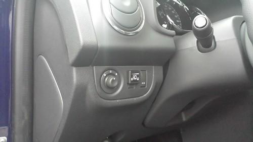 "Dacia Logan 0.9 TCe <a style=""margin-left:10px; font-size:0.8em;"" href=""http://www.flickr.com/photos/104493258@N06/15492377791/"" target=""_blank"">@flickr</a>"