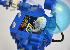 Yeti's Frosticon Ice-Cream Mech - Controls (IamKritch) Tags: robot lego yeti mech mixels frosticons
