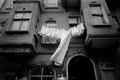 Drying laundry (SungsooLee.com) Tags: street leica trip travel urban blackandwhite bw house film analog turkey blackwhite alley kodak 28mm istanbul summicron journey mp asph fatih f20 dryinglaundry sungsoolee