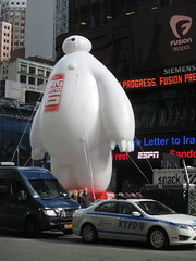 Baymax  Balloon Big Hero 6 Times Square 2014 NYC 0616 (Brechtbug) Tags: new york city nyc 6 moon man anime guy film car yellow computer movie poster square robot big rat day character cartoon ad balloon puff police astronaut disney parade marshmallow hero animation type strike macys times friday cabs six michelin android stay cosmonaut droid androids 2014 puft 11072014 baymax