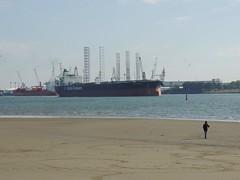 DSCN6465 (jebakker) Tags: nieuwemaas oeverbospad botlek botlekrotterdam deltatankers deltapioneer tanker oiltanker olietanker crudeoiltanker ruweolietanker vlaardingen maassluis