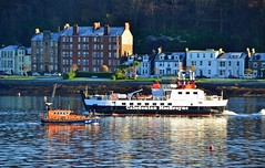 RNLB Pride and Spirit & Loch Buie (Zak355) Tags: rnlbprideandspirit rnli lifeboat merseyclass bute rothesay isleofbute boat scotland scottish riverclyde mvlochbuie calmac ferry 1227 vessel