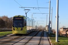 Metrolink 3084 (Mike McNiven) Tags: manchester metrolink m5000 tram wythenshawe m56 bridge crossing cornbrook manchesterairport 3084 airport metro