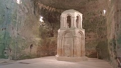 DSCF0035 glise monolithe d'Aubeterre-sur-Dronne (Charente) (Thomas The Baguette) Tags: aubeterresurdronne charente france monolith cave church tympanum glise glisenotredame saintjacques caminodesantiago sexyguy chateau cloister minimes mithra mithras cult