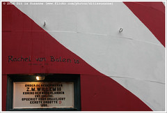 Kunstmaand Ameland: Rachel van Balen (Dit is Suzanne) Tags: img8102 30102016 nederland netherlands  friesland  hollum  ditissuzanne canoneos40d sigma18250mm13563hsm vuurtoren  lighthouse bornrif kunstmaandameland rachelvanbalen herfst autumn  regen rain   letter cijfer  number views100