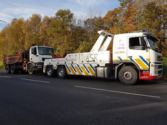 Volvo FM12 Front Suspending 6 Wheeler Grab/Tipper (JAMES2039) Tags: volvo fm12 tow towtruck truck lorry wrecker heavy underlift heavyunderlift 6wheeler frontsuspend tipper grab ca02tow hiab cardiff rescue breakdown ask askrecovery recovery man tgx tga tgm