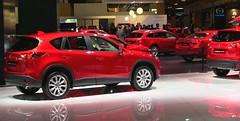 Stand de Mazda, todo en el mismo tono cromático
