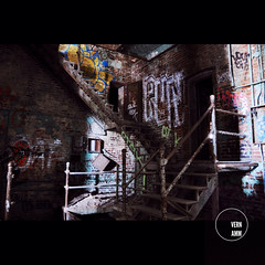 (Vernamm2) Tags: plant canada stairs nikon quebec decay montreal d70s nikond70s explore québec ue urbex marches malting uer