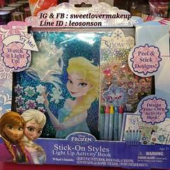 Disney Frozen Stick On Styles Liggt Up Activity Book USA PRODUCT สมุดภาพ ชุด โฟรเซ่น ระบายสีได้พร้อม สีเทียน  พร้อมสติ๊กเกอร์สวยๆ น่ารักน่าสะสม กดดาวบนปก กดมีไฟกระพริบ  พร้อมส่ง ชุด 1,490-. +50-. Ems