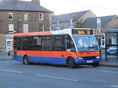 High Peak 226 Buxton (Guy Arab UF) Tags: bus buses high buxton place market derbyshire transport group peak solo blackpool 261 226 optare centrebus m850 wellglade v261hec