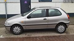 Fiat Palio 3-Door (sjoerd.wijsman) Tags: auto holland cars netherlands car silver grey fiat gray nederland thenetherlands delft voiture vehicle holanda autos paysbas palio olanda hatchback fahrzeug niederlande grijs zuidholland zilver carspotting fiatpalio carspot zilvergrijs