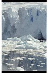 1998_12-005-18-G (becklectic) Tags: reflection antarctica 1998 iceberg icefloe views100 antarcticpenninsula worldtrekker