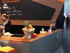 "#HummerCatering #Eventcatering #Messe #Düsseldorf #Composite2014 @ceshow #Smoothiebar #Fruchtdrink #Obstbecher #Früchte #fingerfood http://hummer-catering.com • <a style=""font-size:0.8em;"" href=""http://www.flickr.com/photos/69233503@N08/15281425619/"" target=""_blank"">View on Flickr</a>"