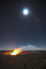 Hawaii - Kilauea Crater (romain.fontugne) Tags: park moon night star volcano hawaii long exposure tokina national crater f28 kilauea atx 1116mm