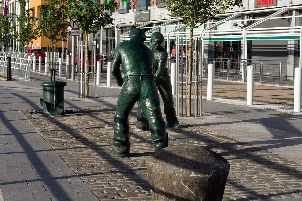 The Dockers Monument In Limerick City Ref-414