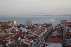 Chegada a Lisboa (Diogo Gil) Tags: cidade portugal boat barco lisboa lisbon vista baixa arco pombalina