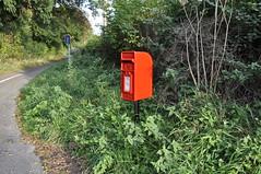 post box 278/365 (dawn.v) Tags: uk red england green rural corner nikon october er postoffice dorset postbox letterbox royalmail redpostbox 365days 365daysproject collectiontimes tarrantgunville thetarrants 365daysin2014