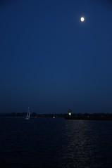 abendlicher  Heimkehrer (nirak68) Tags: balticsea leuchtturm travemnde sailer segler nordermole