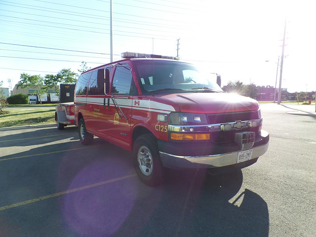 ontario canada chevrolet car fire chief chevy express van emergency mississauga services 125 mfd mississaugafiredepartment mississaugafireemergencyservices mfes mississaugafire c125 mississaugafiredept